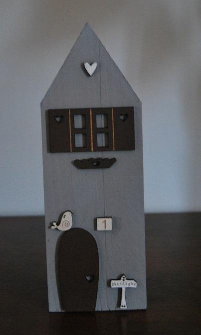 maison grise deco marron moyenne