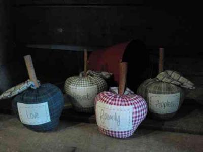 4 pommes parfumées à la Cannelle