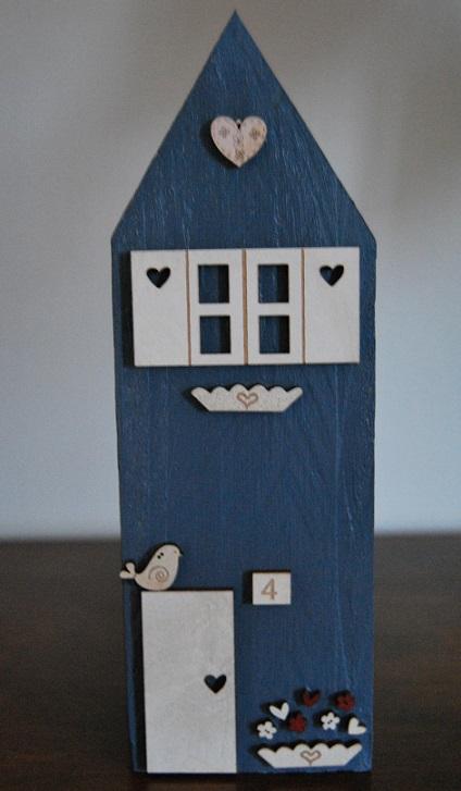 maison bleu deco blanche moyenne