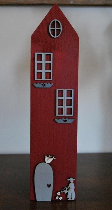 maison rouge deco grise grande