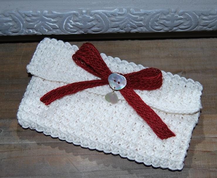 trousse laine blanche