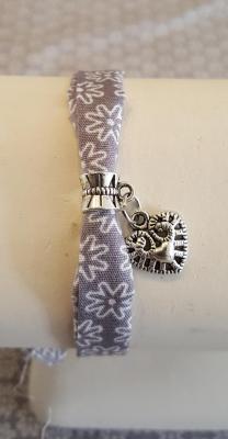 "bracelet gris ""coeur"""